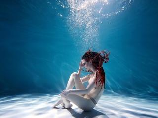 Ню Арт дома у девушек, в студиях, отелях и в подводной студии